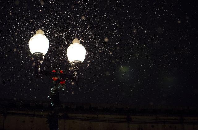 street-lamp-336556_640