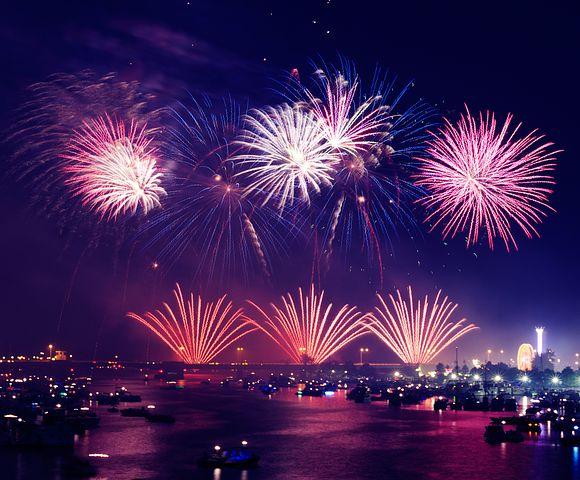 fireworksonwaterpic